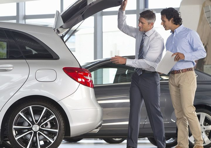 Advantages of Hiring a Car from Professionals
