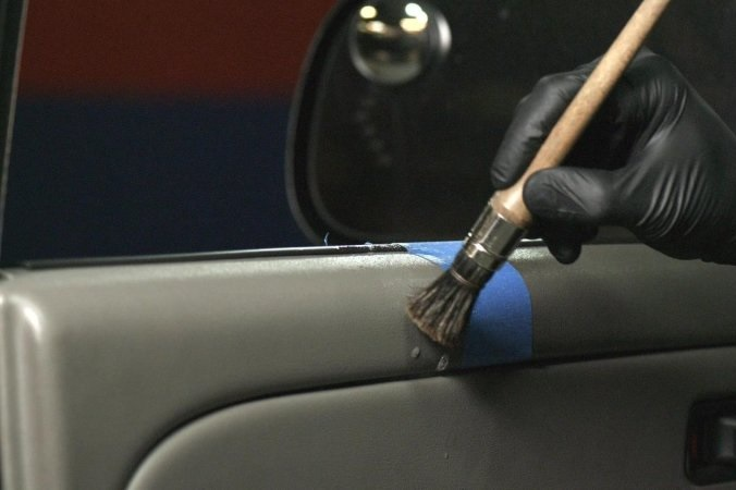 How to Clean the Trims and Moldings of Your Car